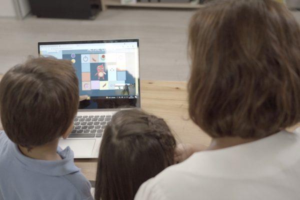 papis ordenador niño